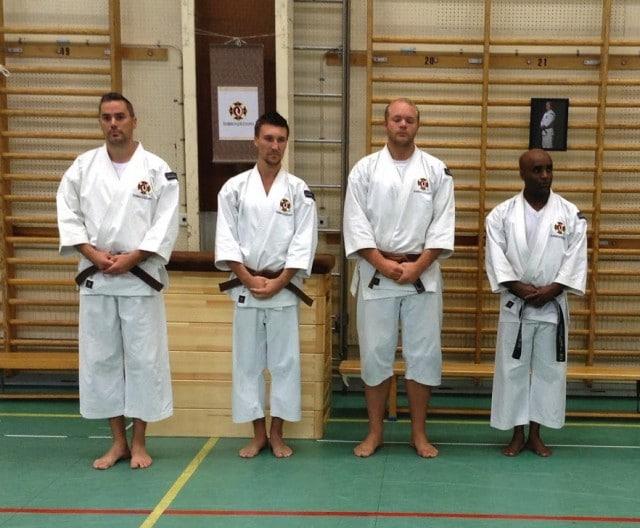 Lyckad gradering: Pontus, Glen och Markus graderade till shodan (1 dan) och Kris till höger till sandan (3 dan) - grattis!